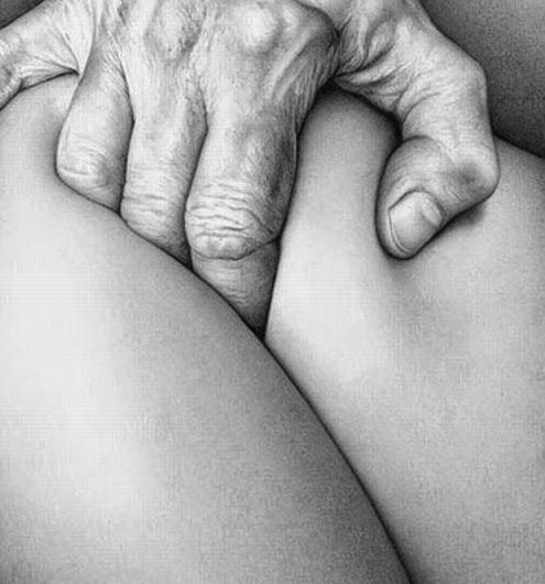 gesto erótico con las manos