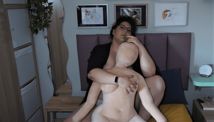 Plush Doll de KYO, erotismo achuchable – Review